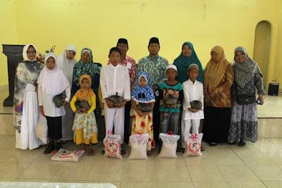 Kemenag Tanjungbalai dan BKMT Beri Santunan Kepada Anak Yatim