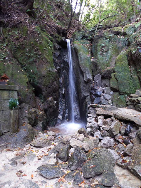 磐船神社  白龍の滝