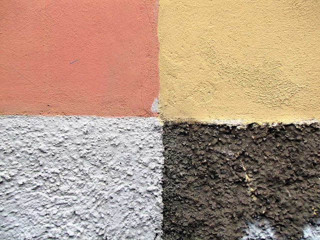 Four different colors on plain and rough plaster, Livorno