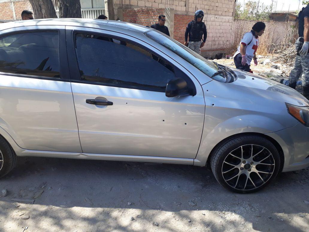 Ejecutan a cuatro hombres que colocaban piso en una vivienda de Celaya, GTO.