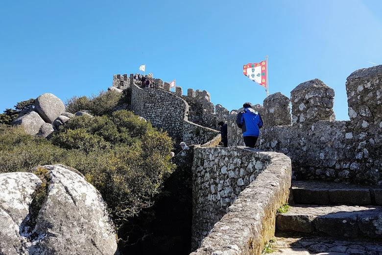 摩爾人城堡城牆上