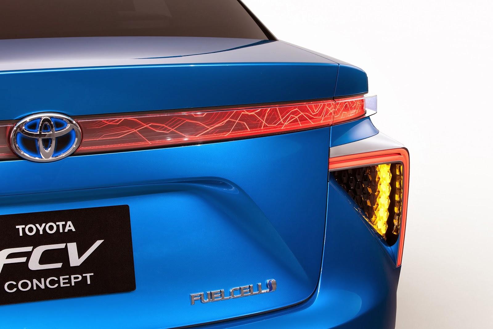 voiture du futur toyota lancera en californie sa berline hydrog ne d s 2015. Black Bedroom Furniture Sets. Home Design Ideas