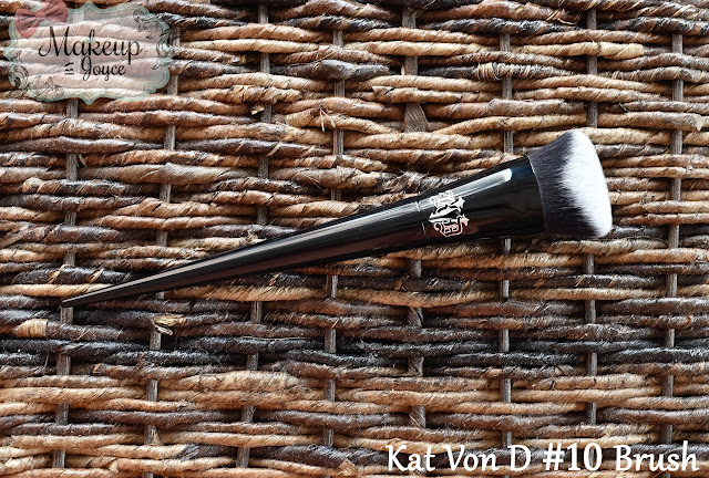 Kat Von D Lock It Edge Foundation Brush Review