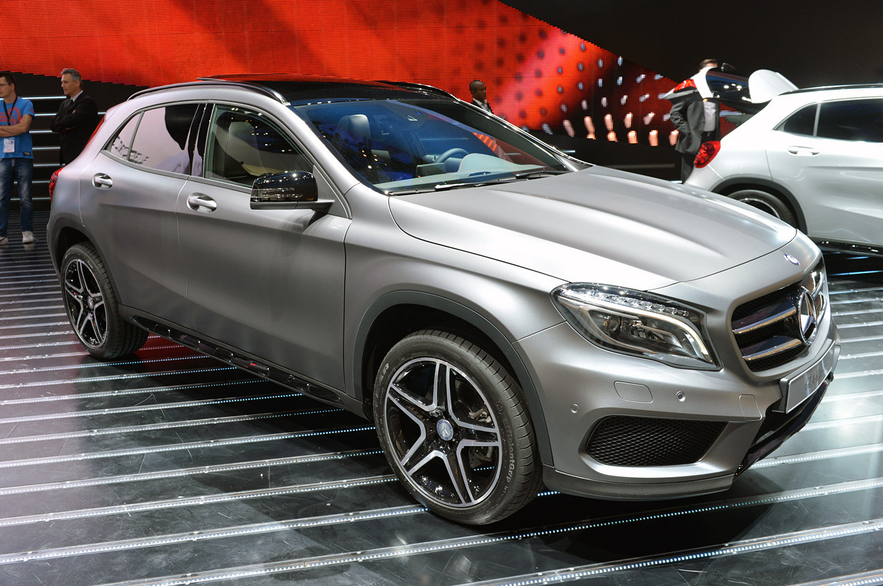 automotiveblogz 2015 mercedes benz gla class frankfurt. Black Bedroom Furniture Sets. Home Design Ideas