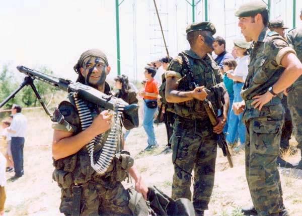 ... identifica a los soldados con la aptitud básica para el desempeño de  funciones de operaciones especiales y se obtendrá acceso para el curso  siguiente. a34f68b83cb