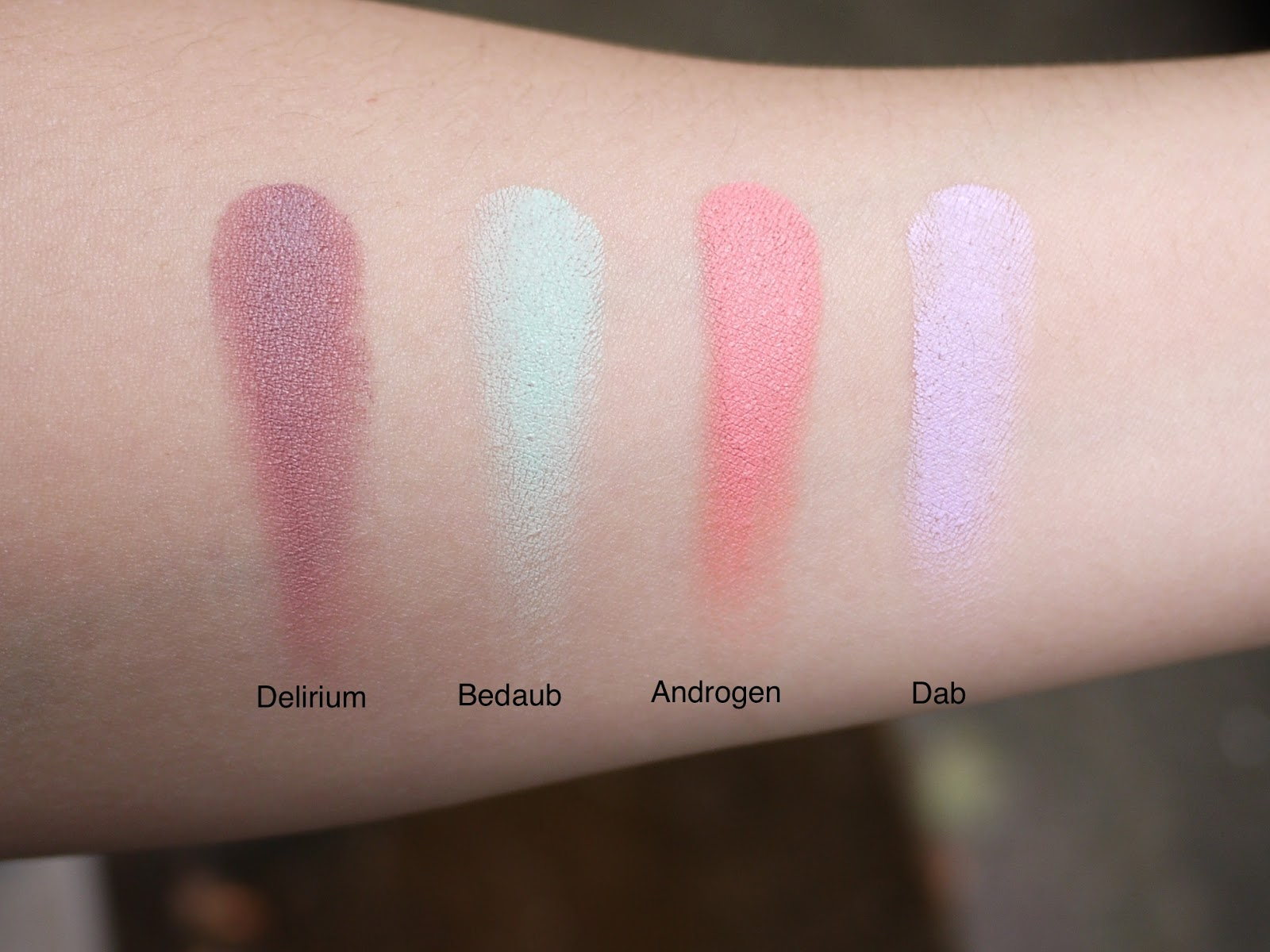 illamasqua cream pigments deliurm bedaub androgen dab review swatch