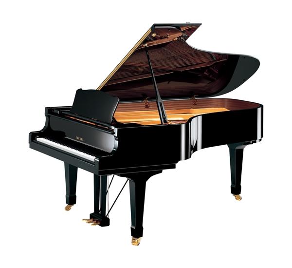 dan Piano Yamaha C7 PE
