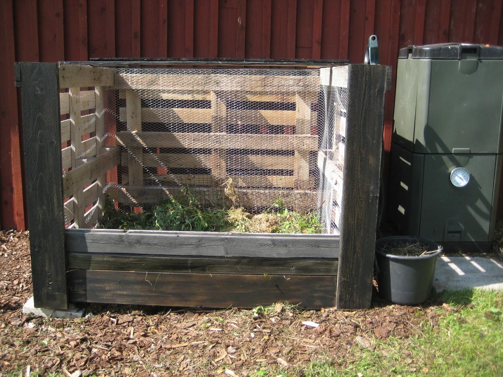 Puinen Kompostikehikko