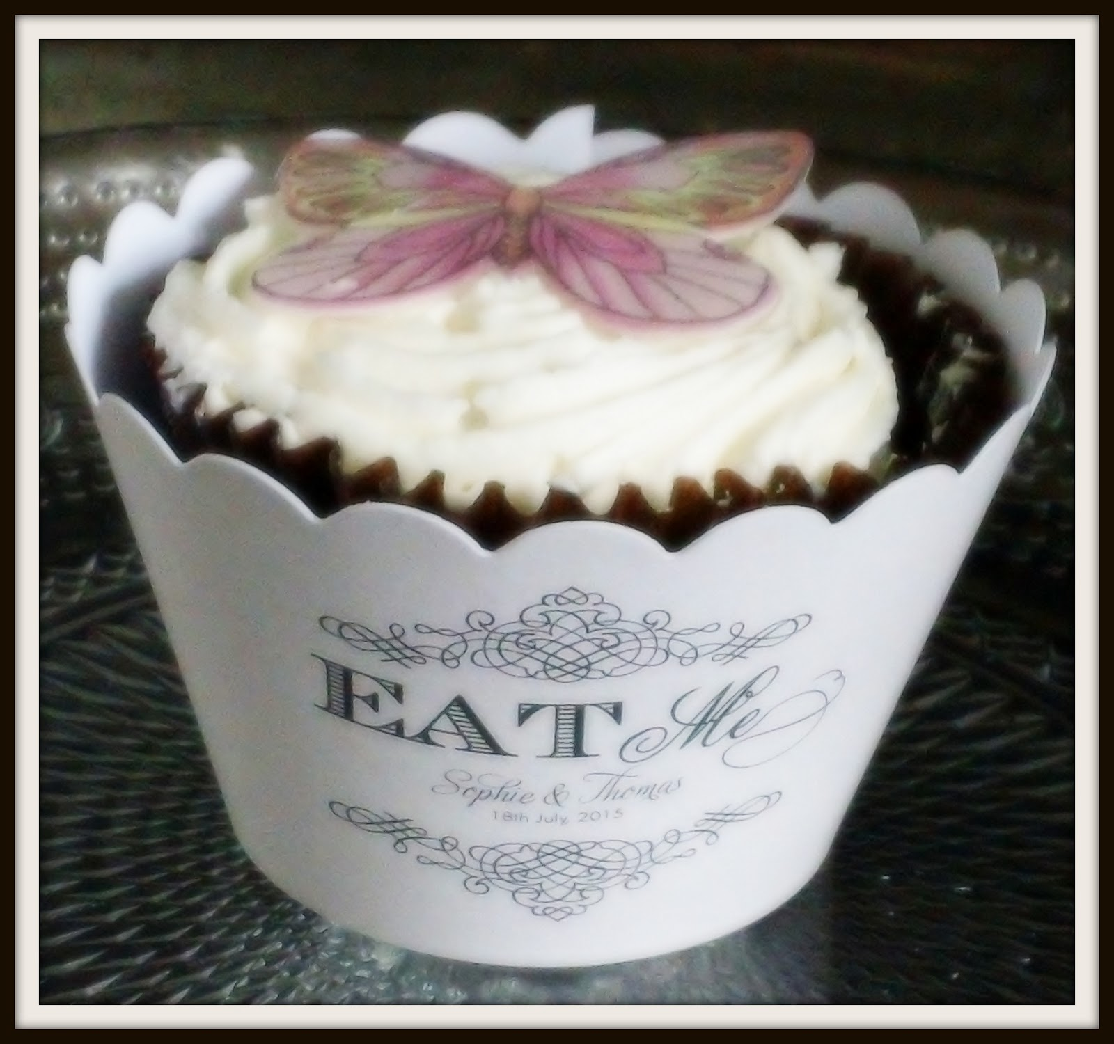 Eat Me Cupcake Wrappers by Paper Themes