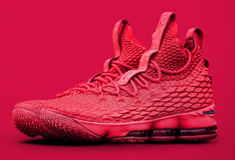 los angeles de8ea 1a494 Nike Lebron 15  Beat Michigan    Analykix