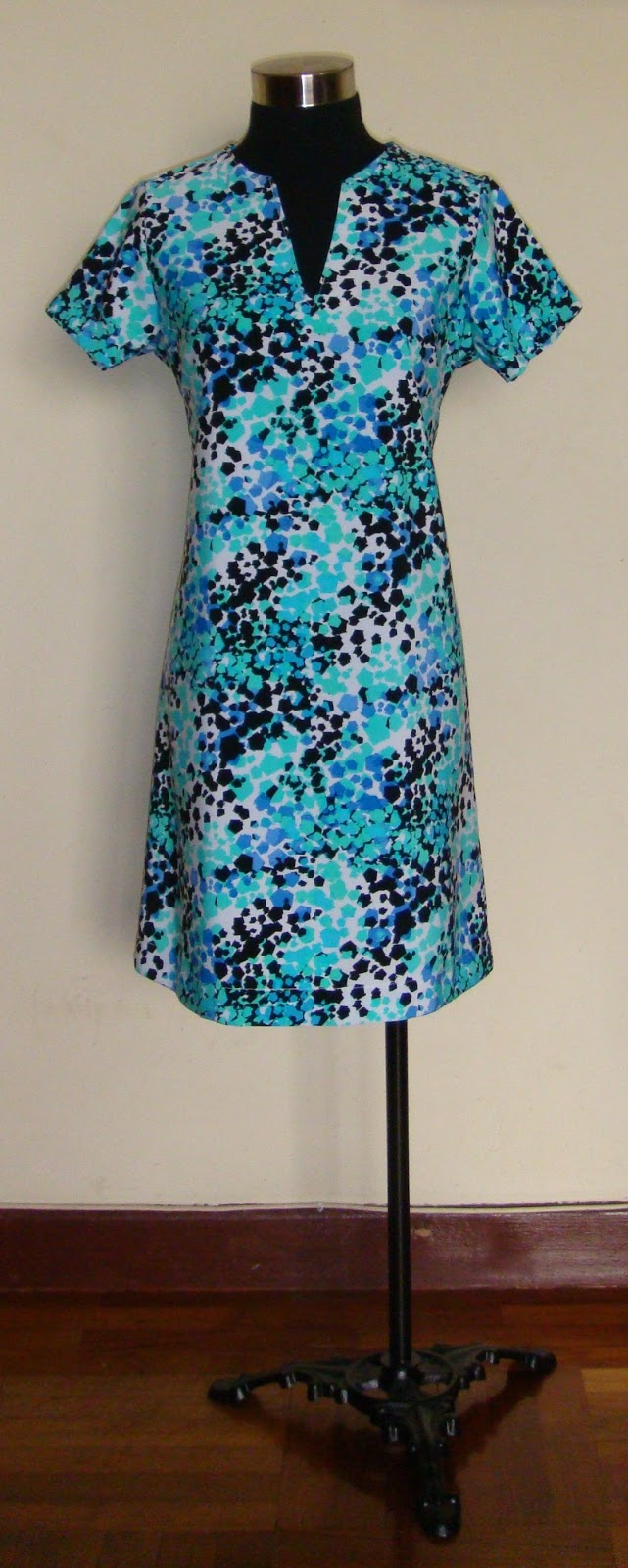http://velvetribbonsew.blogspot.com/2012/03/vr-everyday-dress.html