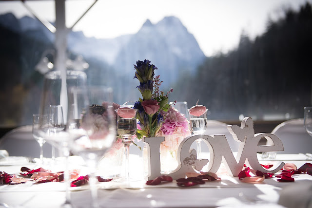 Herbsthochzeit, Finnland, weddings abroad, heiraten in Garmisch-Partenkirchen, Hochzeitshotel Riessersee Hotel, Bayern, Bavaria, moutain wedding, Oktober, Pastellfarben, Seehaus, Beste Aussichten, Hochzeitsplanerin Uschi Glas wedding planner