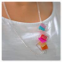 collier nacre carré multicolore