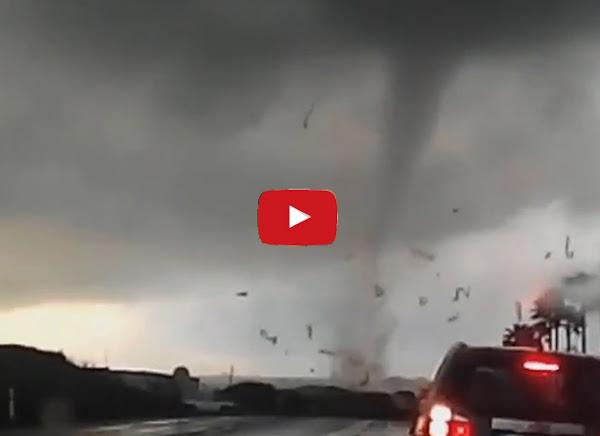 Se forma un tornado en Chivacoa y asusta a los vecinos