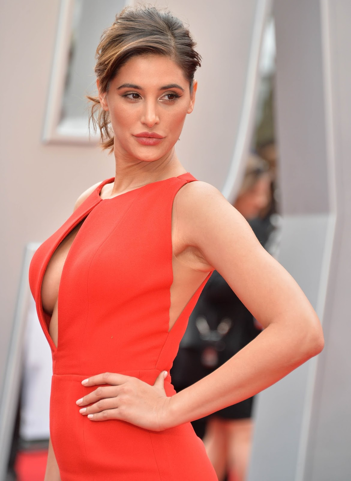 Nargis Fakhri naked (33 gallery), cleavage Selfie, Instagram, braless 2016