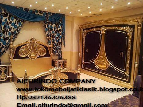 Dipan classic french furniture,dipan ukir klasik,dipan kamar set vintage french style,furniture mebel jepara,toko mebel jati klasik,furniture Jati Klasik duco mewah,code A1025