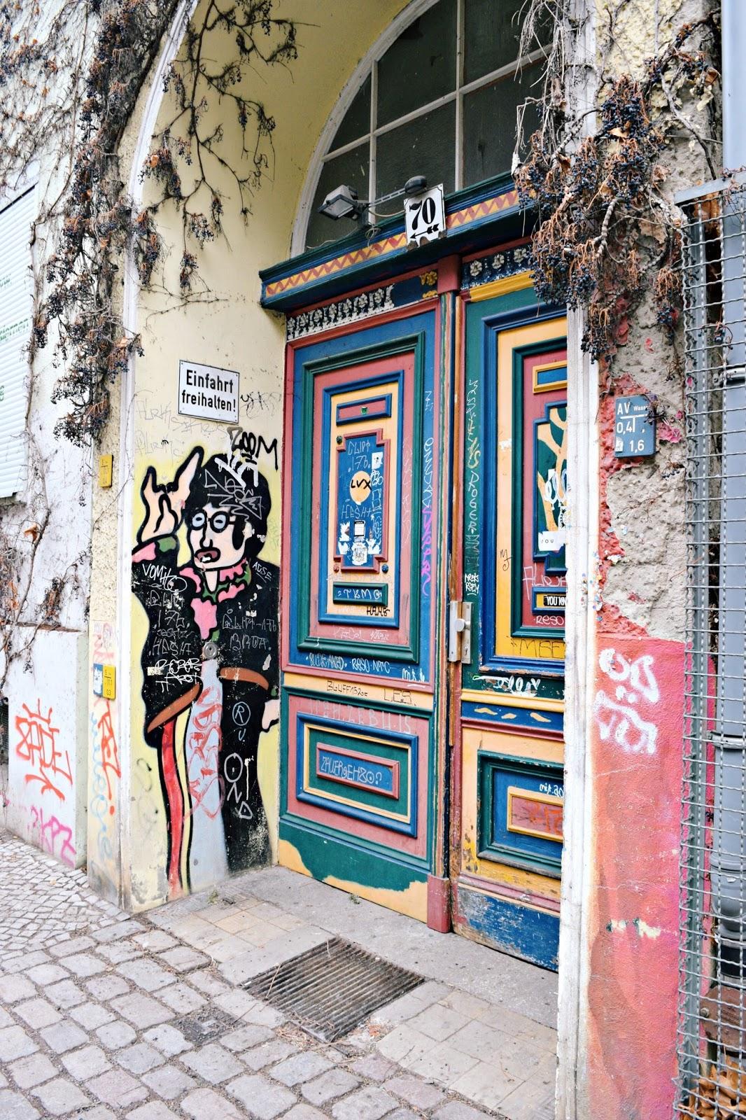24 hours in berlin street art