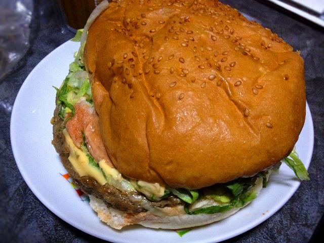 ジャンボチーズバーガーの写真