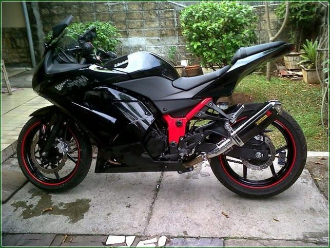 Modipikasi Knalpot Warna Hitam Penuh - Contoh Gambar Dan Foto Konsep Desain Modifikasi Kawasaki Ninja 4 Tak 250cc Sporti Ala Moge Keren Banget