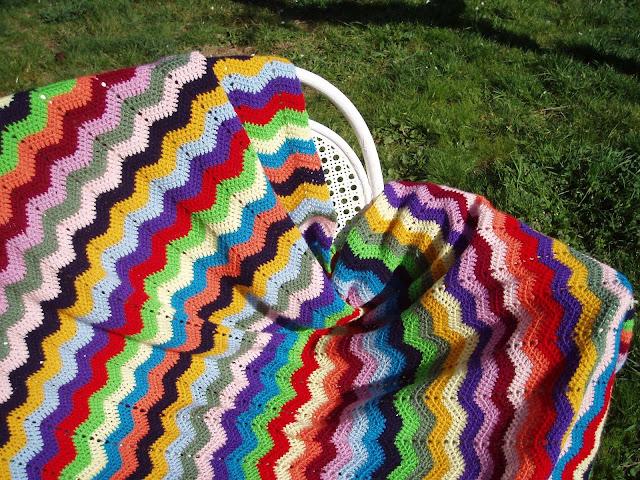 Manta ganchillo zig zag espacio crochet - Mantas ganchillo colores ...