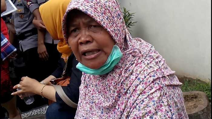 Nenek Tua Berjilbab Ini Siap Mati Demi Ahok ~ Berita MediaQQ