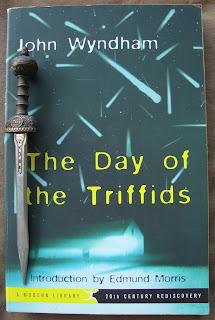 Portada del libro El día de los trífidos, de John Wyndham