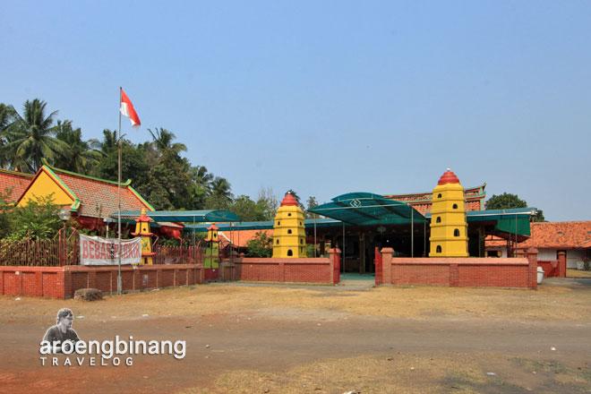 sepasang pagoda kimlo kelenteng tjo soe kong tanjung kait