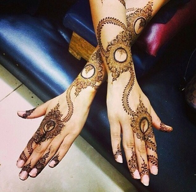 New Stylish Arabic Mehndi Design 2016