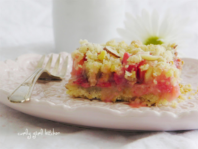 http://www.curlygirlkitchen.com/2013/04/strawberry-rhubarb-almond-crumb-bars.html