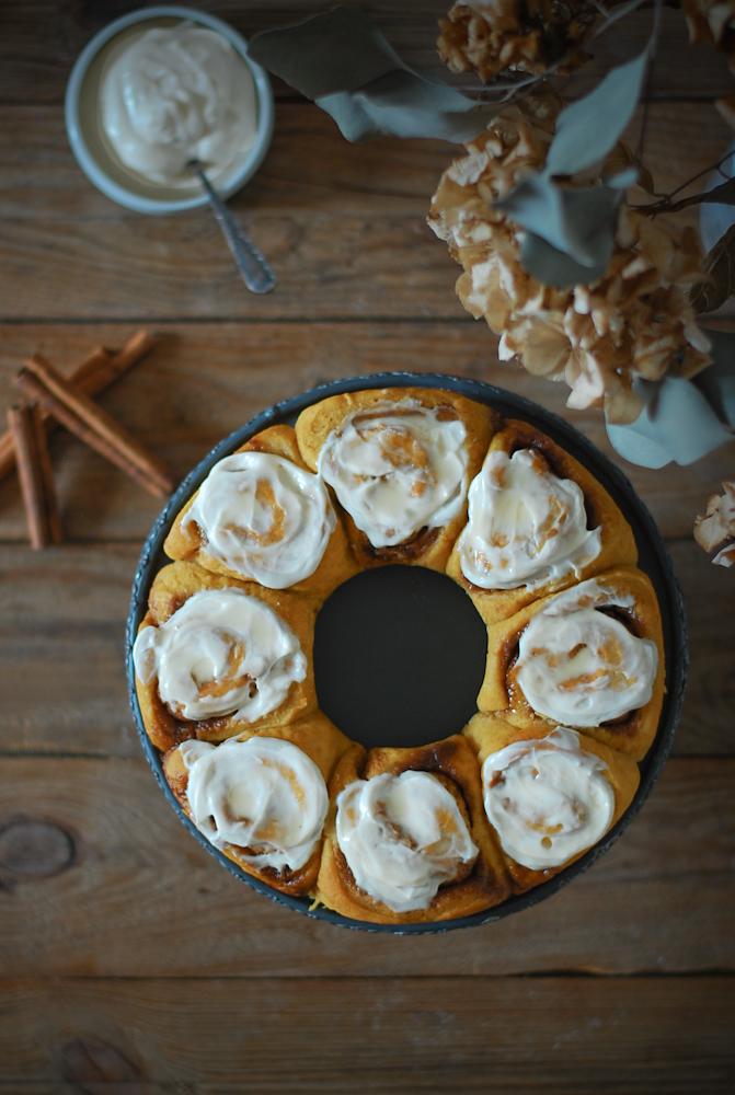 pumpkin-pecan-cinnamon-rolls-rollitos-canela-calabaza-dulces-bocados