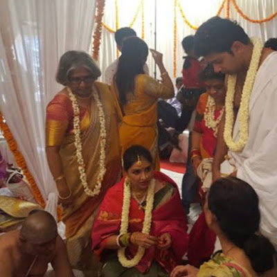 anu-prabhakar-and-raghu-mukherjee-during-their-wedding-ceremony