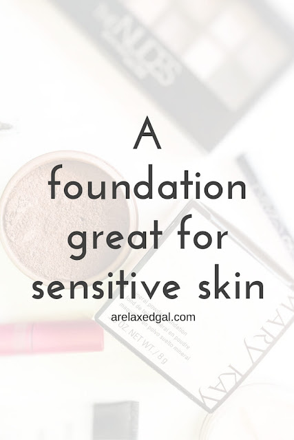 I'm sharing about the mineral powder foundation I found that doesn't irritate my sensitive skin. It's the only foundation I wear. | arelaxedgal.com