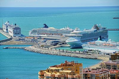 O 'Oasis of the Seas, da Royal Caribbean, MalagaA imagem de 'Oasis of the Seas, da Royal Caribbean, Malaga