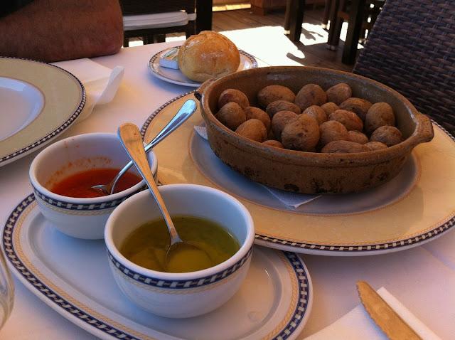 Papas arrugadas con mojo, comida tipica canarias