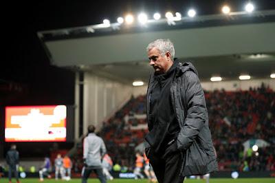 Mourinho nói gì sau khi để thua trước đội bóng hạng 2?