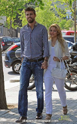 Gerard Piqué and Shakira hot picture