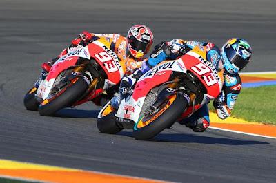 Ini hadiah kejutan untuk Alex Marquez yang berhasil menjadi juara dunia di Moto3 musim 2014