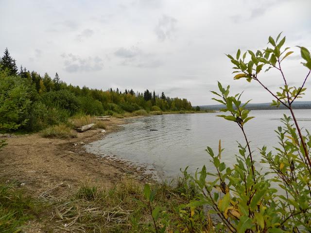 Береговая линия озера Зюраткуль