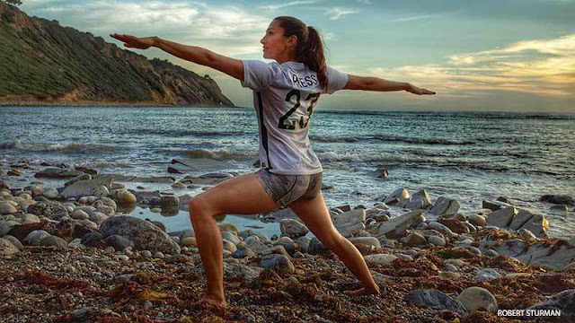 Foto Christen Press Cantik, Paha, Atlet, Seksi