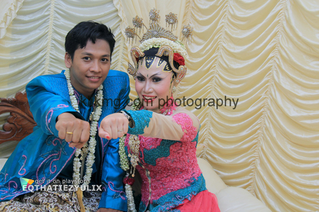 "Dokumentasi Foto Digital Pernikahan ""EQTHATIE & ZYULIX"" 22 September 2015 [3] Foto oleh Klikmg.com Fotografer Wedding Purwokerto"