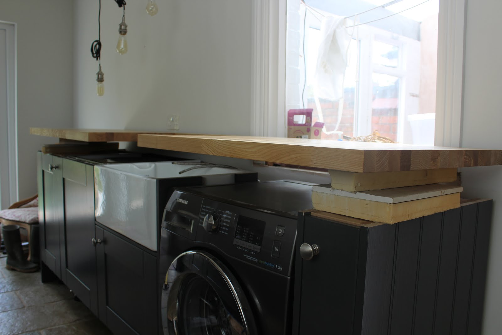 How to fit a wood worktop around belfast sink