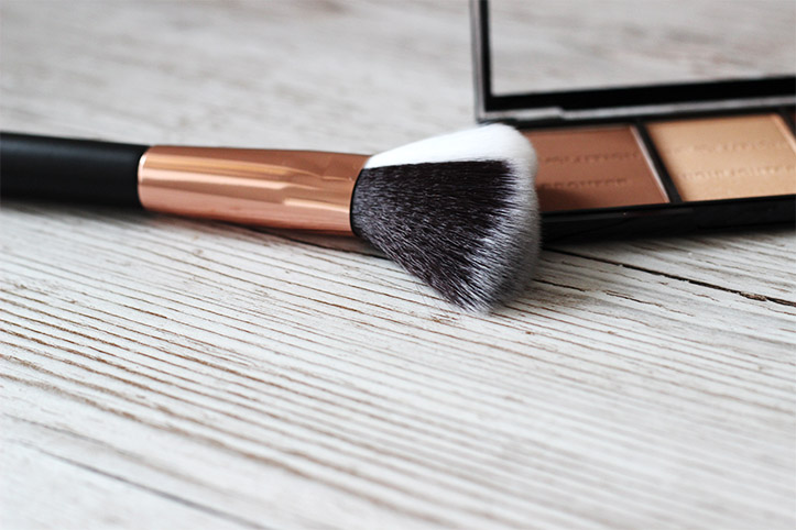 primark contour face brush