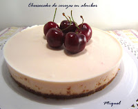 Cheesecake de cerezas en almíbar