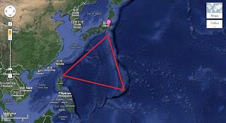 Resultado de imagem para triangulo do dragão