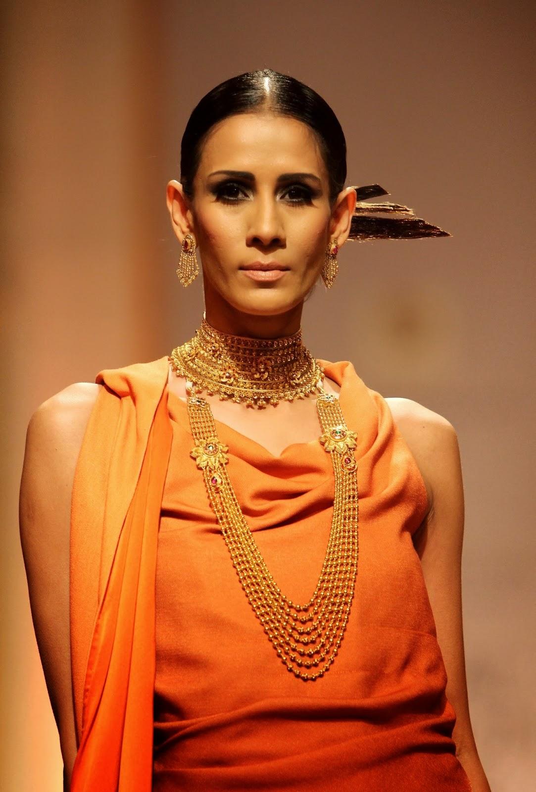 The Glitzy World !!: Azva launches new gold bridal jewellery collection - photo#13