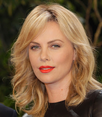 Charlize Theron Hollywood Actress 001,Charlize Theron HD Wallpaper