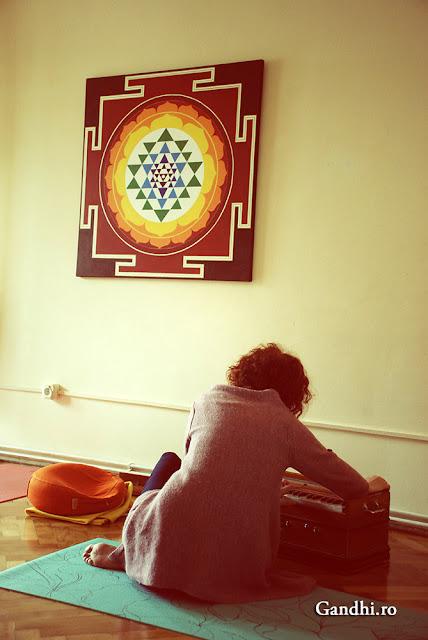 yoga, Cluj, Kolozsvar, meditacio, meditatie, terapie, life coaching, kirtan, mantra, satsang