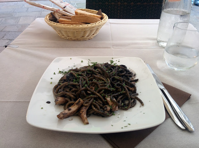 Spaghetti with cuttlefish ink