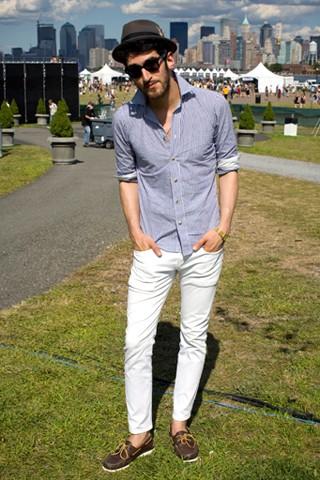 look masculino com calça cropped masculina jeans branca (1)