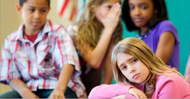 """O Bullying não é um problema que deve ser ignorado e que """"passa"""" depois de um tempo."""